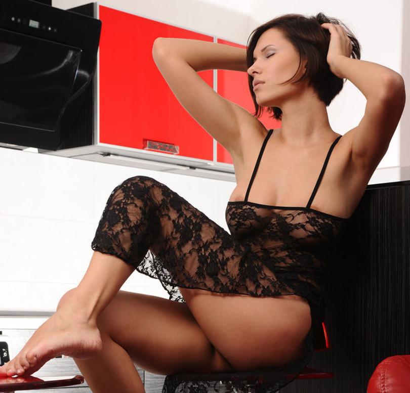 Una casalinga nuda e vogliosa